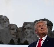 El presidente Donald Trump frente al monumento nacional Monte Rushmore en Dakota del Sur.