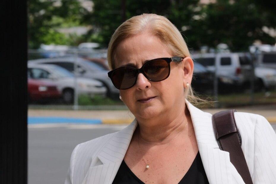 La exdirectora de la Administración de Seguros de Salud (ASES) Ángela Ávila también fue acusada por alegadamente cometer fraude electrónico, conspirar para cometer fraude y de robo.
