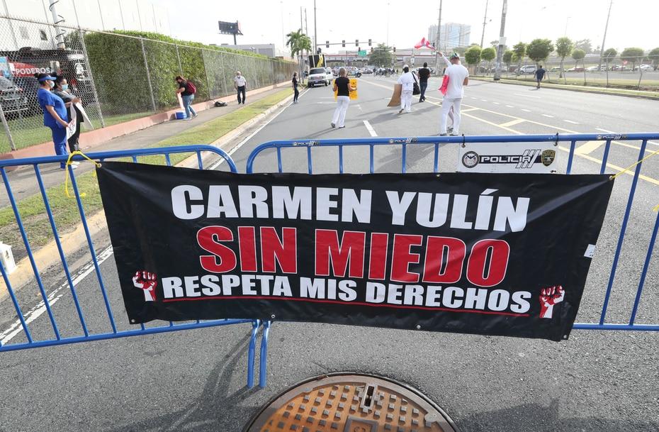 """Esta pancarta utilizó una de las consignas que Carmen Yulín Cruz ha utilizado durante su campaña, """"¡Sin miedo!""""."""