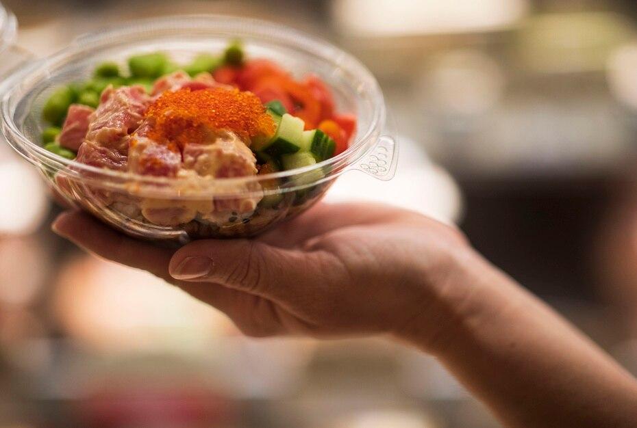 Poke bowl, uno de los favoritos de los amantes del sushi.