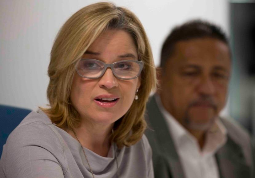 Carmen Yulín Cruz, alcaldesa de San Juan, no avala que el gobernador no tenga voz ni voto en la junta.
