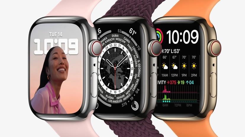 El Apple Watch Series 7 estará disponible en aluminio, acero inoxidable y titanio (de izq. a der.).