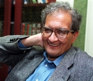 Amartya Sen, who won the Nobel Economics Prize, smiles during an interview in New York, Wednesday Oct. 14, 1998. A scholar from India, Sen's work produced a new understanding of the catastrophes that plague society's poorest people.  (AP Photo/Richard Drew)