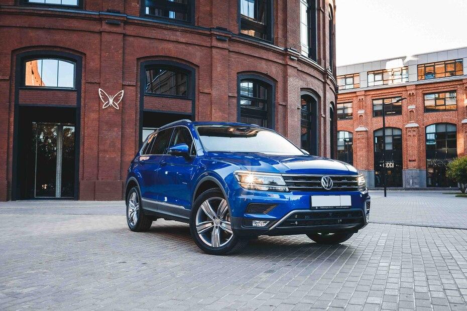Volkswagen Tiguan | Con gran espacio para carga y una de las mejores garantías en la industria, la Tiguan ofrece una experiencia de manejo serena a costa de la economía en la carretera. (Shutterstock.com)