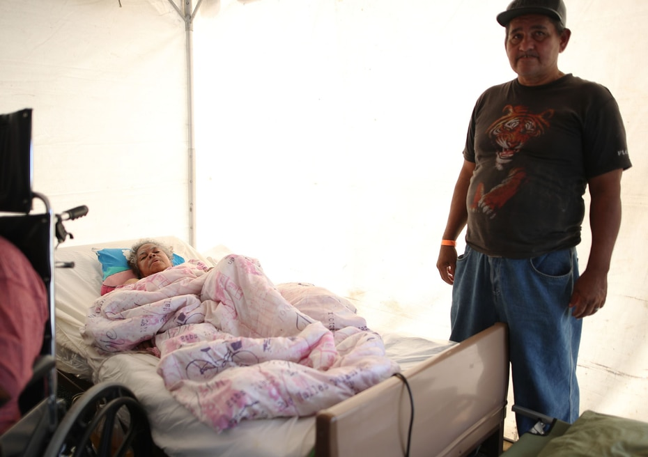 La Guardia Nacional comenzó la movilización de los refugiados en Guánica al campamento base.
