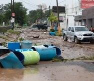 El objetivo de la iniciativa  es recopilar con artículos de primera necesidad para distribuirlas directamente a comunidades afectadas en Mayagüez y Hormigueros. En la foto, una de las calles de la Urbanización Terrace, en Mayagüez, luego del paso de la tormenta Isaías.