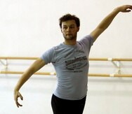 Scarlett entrenó en el Royal Ballet School en Londres y bailó con la compañía antes de concentrarse en la coreografía.