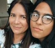 Soraya Sánchez y su hija Sora.