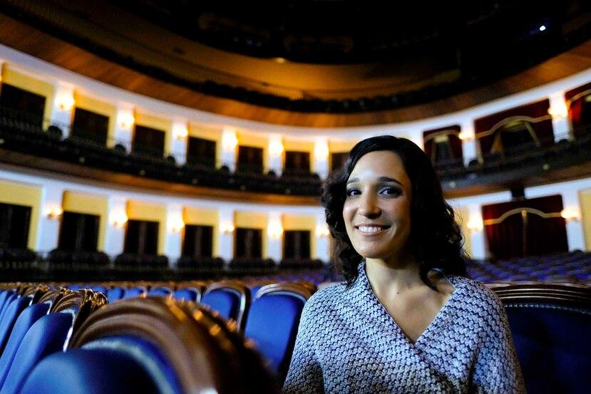 La cantante Ileana Cabra tomó con agradecimiento la buena acogida a su proyecto musical, nominado al Grammy 2017.