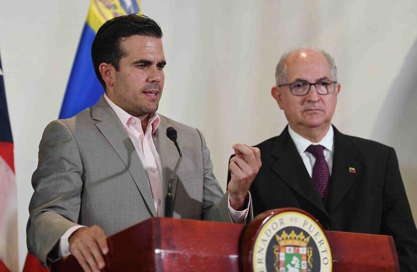 Ricardo Rosselló junto al exalcalde de Cararas Antonio Ledezma.