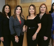 De izquierda a derecha, Soraya Alsina - Senior Human Resources Manager; Daisy Aguilar; HR Director; Yazmín Morales, Senior Manufacturing Manager; Xiomarie Santiago, Senior Finance Director; Mercedes Castañeda, Senior Engineering Manager;  y Cynthia Alfonseca, Clinical Specialist Manager.