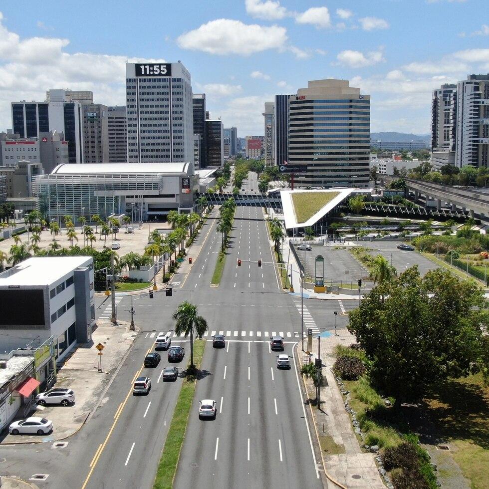 En la foto, la llamada Milla de Oro de Hato Rey, donde ubica la mayor parte de las sedes bancarias en Puerto Rico.