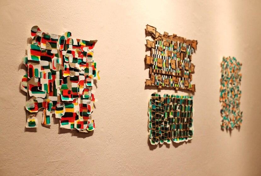 El artista atribuye a su formación y experiencia con el arte en Puerto Rico, la importancia que da al uso del papel, medio idóneo  de la tradición gráfica isleña.