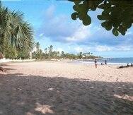 Es Islas Caimán reabrieron las playas, mientras que Jamaica -arriba en esta imagen de Archivo- permitió ya la apertura de los bares.