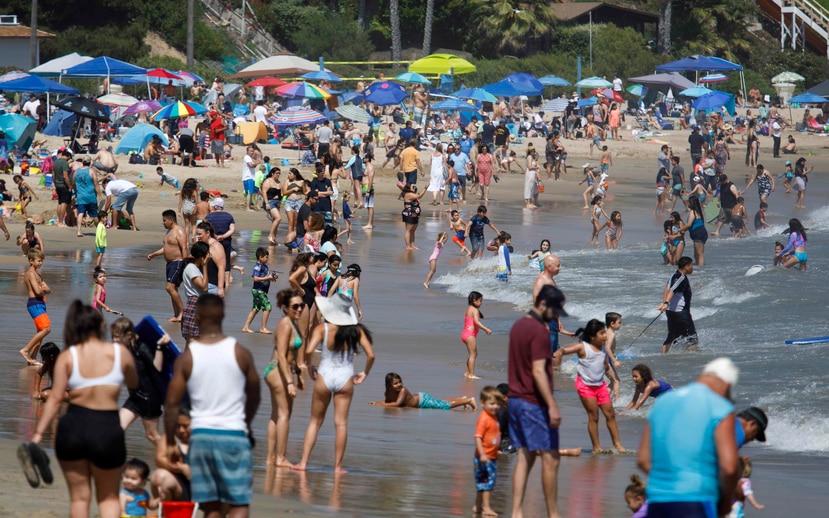 Un balneario este fin de semana en California. (Agencia EFE)