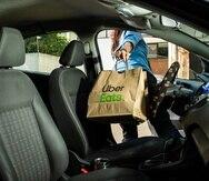 Uber Eats permite anotarse como conductor sea con auto, motora o bicicleta.