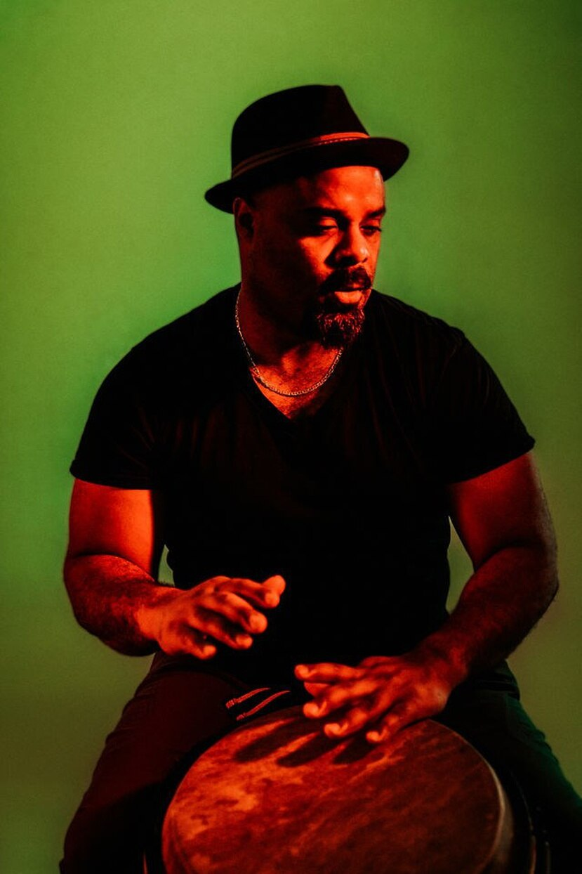 El músico utiliza en su propuesta la bomba puertorriqueña en su expresión más orgánica y rústica. (Suministrada)