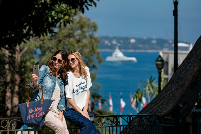 El lujo y el glamour siguen siendo protagonistas de Mónaco y, cada vez recibe más turistas, muchos de ellos de cruceros.