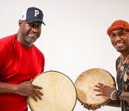 Padre e hijo tienen una relación cercana en la que comparten su amor por la música y el deporte.