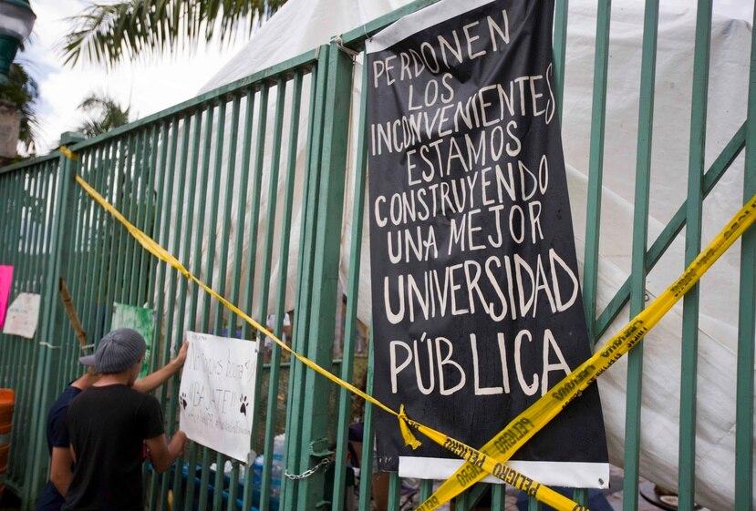 El borrador del plan fue divulgado hoy por la presidenta interina de la institución, Nivia Fernández, en una reunión con el caucus estudiantil