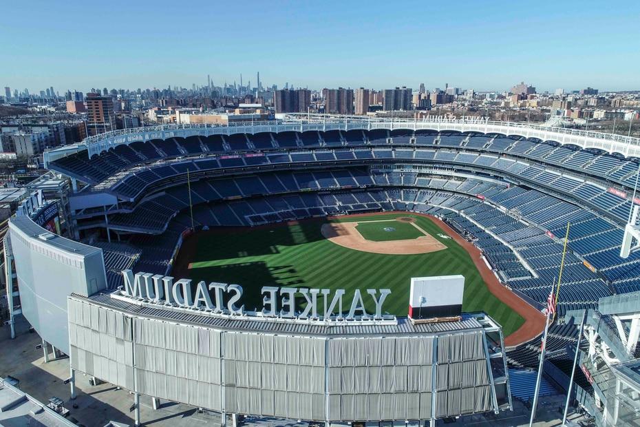 Una vista aérea del estadio vacío de los Yankees de Nueva York, inaugurado en la temporada 2009. (John Woike/Samara Media vía AP)