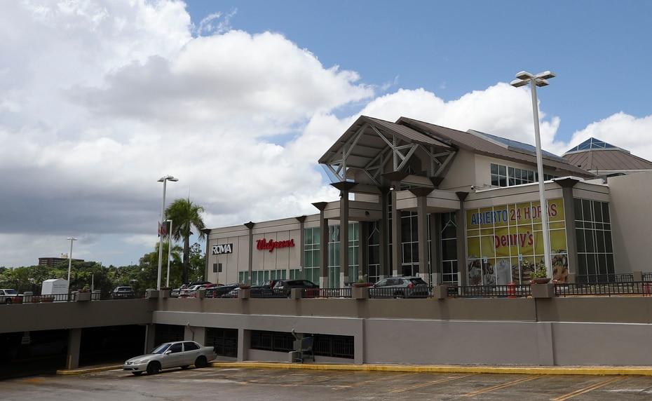 El centro comercial Galería Paseos, en San Juan, está a la venta por $13.5 millones.