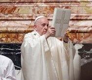 El papa Francisco en la Basílica de San Pedro en el Vaticano.