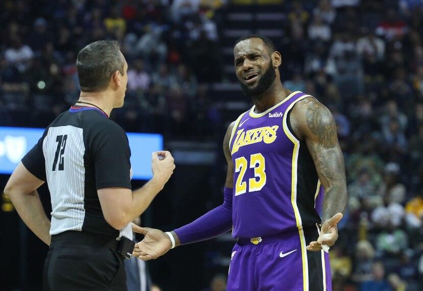 LeBron James anotó 33 puntos en la victoria del miércoles  de los Lakers 125-119 contra los Pelicans. (EFE / Karen Focht)