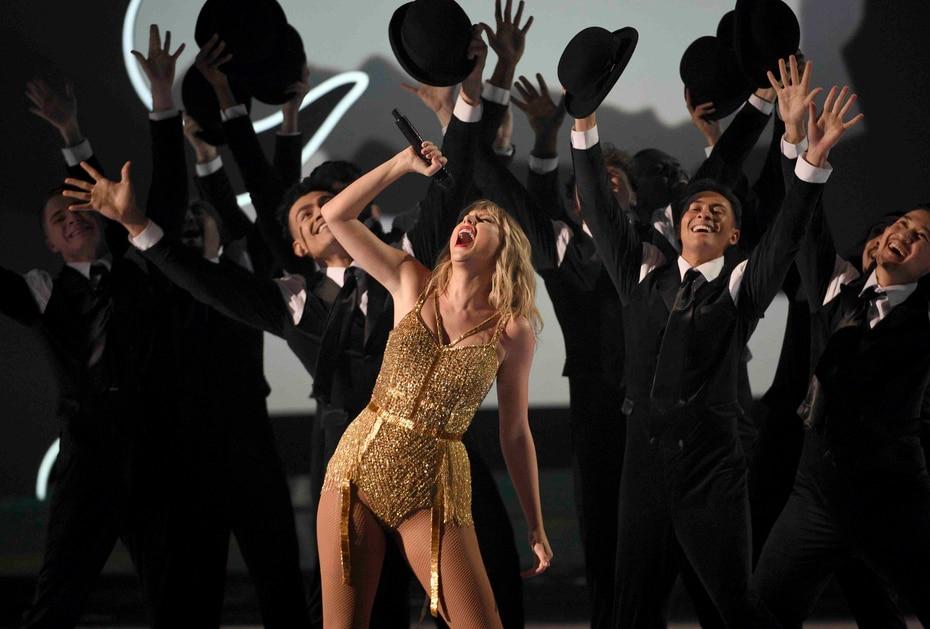 Taylor Swift ganó el premio de la Artista de la Década.