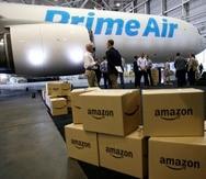 Pese a la crisis global de suministros, Amazon dice estar preparada para las festividades navideñas y augura que podrá llegar a tiempo.