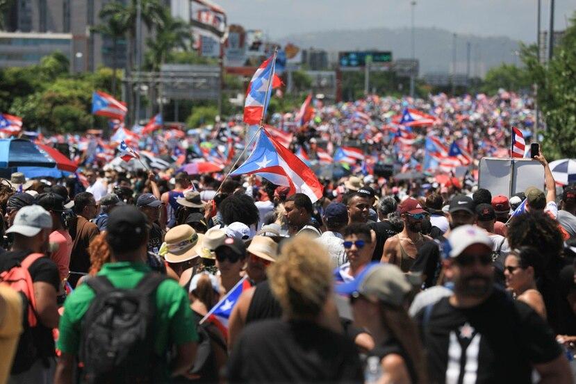 Miles de manifestantes en el Paro Nacional exigiendo la renuncia de Ricardo Rosselló.