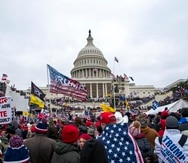 En esta fotografía del 6 de enero de 2021 se muestran simpatizantes del entonces presidente Donald Trump en el Capitolio, en Washington.