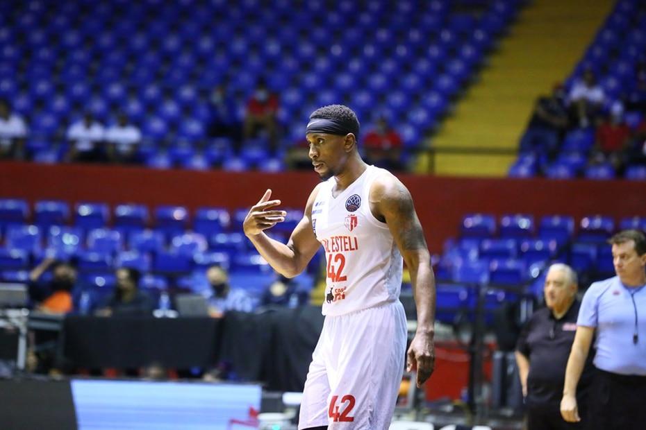 Alex Franklin es otro de los boricuas en el Real Estelí . (FIBA)