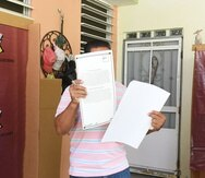 Guayanilla ENDI Junio 11, 207La foto para acompañar historia de las votaciones del plebiscito y se encontró que en Puerto Rico que se vota en dos casas privadas (no escuelas) y estas son en Guayanilla.   En la foto la Unidad 13 | Residencia de José Damiani Emanuelli en la PR-375, del Barrio Sierra Baja Guayanilla la familia cedio su casa paea que se realizaran las votaciones del plebiscito.Tony Zayastony.zayas@gfrmedia.com