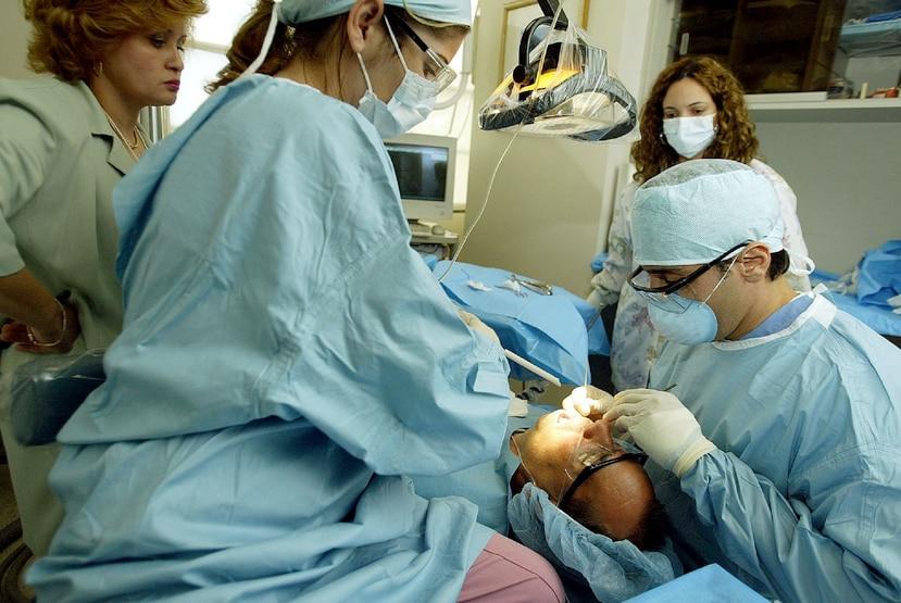 Se estableció un nuevo código para la cubierta dental (D1999) para que los médicos puedan facturar el cargo por cada paciente de la Reforma de Salud que atiendan en sus oficinas durante el término provisto. (GFR Media)