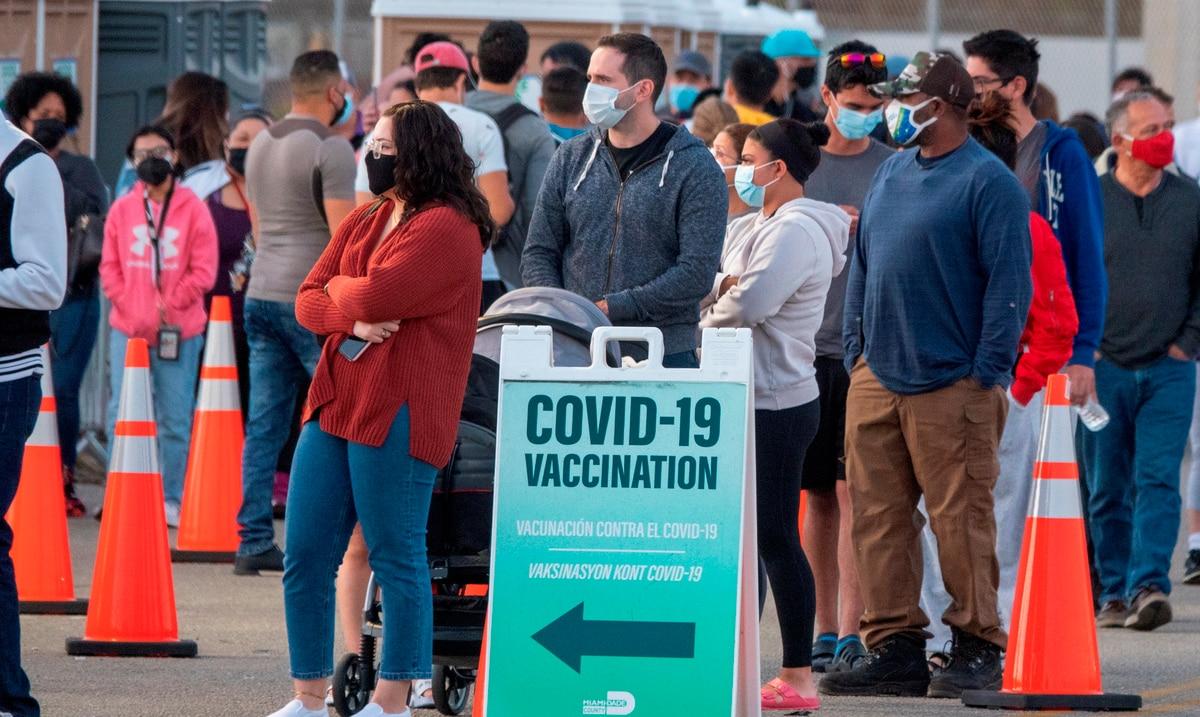 El contagio con COVID-19 no garantiza a los jóvenes inmunidad a la reinfección