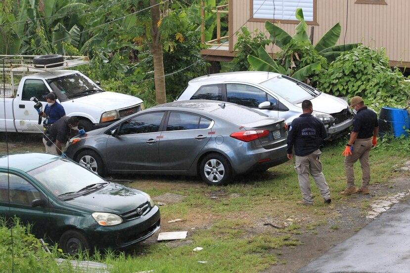 Las autoridades investigan el auto de Keishla Rodríguez que fue encontrado abandonado en Canóvanas.