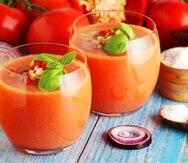El gazpacho es un clásico de la gastronomía española y uno de los mejores ejemplos de cuán ricas y nutritivas pueden ser las sopas frías.