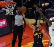 """Stephen Curry y los Warriors no pudieron entrar a los playoffs de la NBA tras caer en dos partidos del torneo """"play-in""""."""