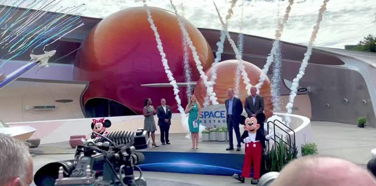 """Restaurante Space 220 en Epcot ofrece una experiencia culinaria de """"otro planeta"""""""