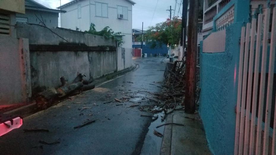 Fotos suministradas por la Oficina de Manejo de Emergencias Municipal de Ponce donde se muestran daños en el sector Salistral en Playa de ese municipio.