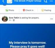 Imagen proporcionada por Facebook en agosto de 2021 de una imagen simulada de la nueva función de petición de oraciones de la red social.