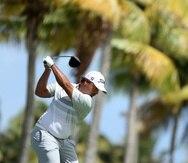 Rafael Campos realiza un tiro durante el primer día de competencia del Puerto Rico Open en Río Grande.