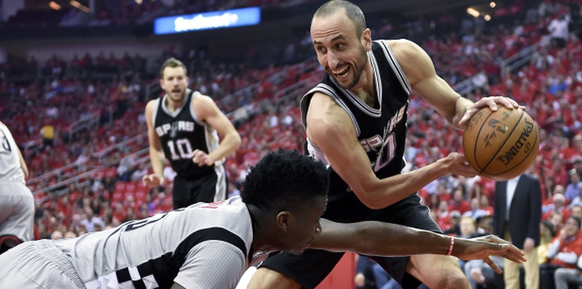 El argentino de los Spurs de San Antonio, Manu Ginobili, jugó en la NBA hasta 2018.