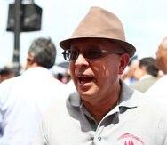 César Vázquez, candidato a la gobernación, organizó, en 2013, una protesta frente al Capitolio en contra de las uniones entre parejas del mismo sexo, como parte del grupo Puerto Rico por la Familia.   Archivo