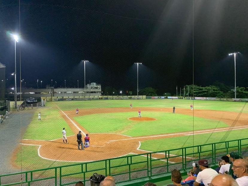 """Los Arenosos de Camuy tenían en calendario enfrentarse en la noche del miércoles a los Industriales en el estadio Juan """"Cheo"""" López."""