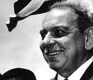 En 1952, otra vez, Muñoz Marín consiguió 64.9%, para dejar atrás al independentista Fernando Milán, hijo, (19.0%), Francisco López Domínguez (Partido Estadista Puertorriqueño, 12.9%) y Luis Moczó (Partido Socialista Puertorriqueño, 3.3%). (Archivo)