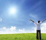 Avancemos hacia la luz de Dios que nos cobija a todos y todas