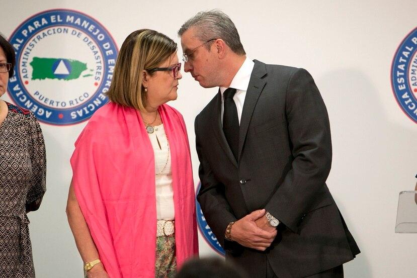 El gobernador Alejandro García Padilla y la secretaria de Salud, Ana Ríus, sugieren a la población a reforzar sus esfuerzos contra el zika.