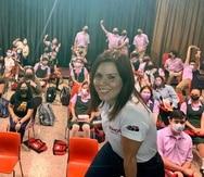 La periodista de GFRMedia Rosalina Marrero-Rodríguez compartió sus experiencias en el campo del periodismo con estudiantes en el pueblo de Yauco.  YAUCO SOMOS  Fotos Ana Enid